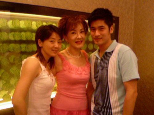 一家团聚-小李琳-----佳玉妙璘-我的搜狐