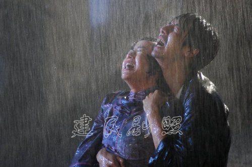 美女 李念        二十六集电视剧《玉卿嫂