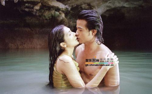 《晚娘》是一部泰国电影,影片像一个人的自传,背景是上个世纪的三