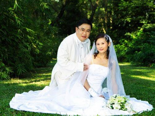 (背景:深圳天长地久婚纱摄影机构--之梦幻影城实景)-我们的婚纱图片
