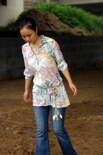 中国最美女记者 放爱一条生路